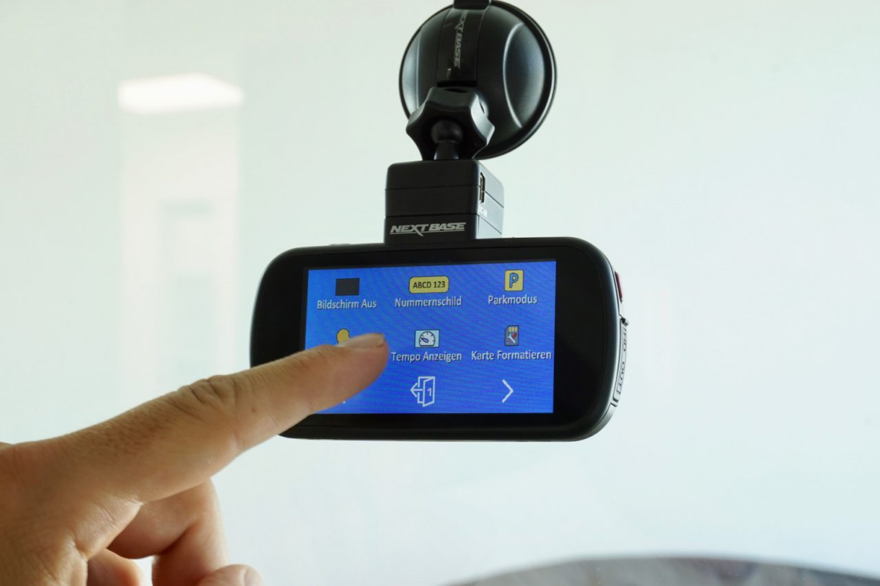 Nextbase 612gw 4k Dashcam Der Marktfhrer Kommt Nach Deutschland Blackvue R 100 Die Ist Schon Vorkonfiguriert Und Beginnt Mit Automatischen Aufnahme Nderungen Oder Einstellungen Lassen Sich Auf Den Ersten Blick Nicht